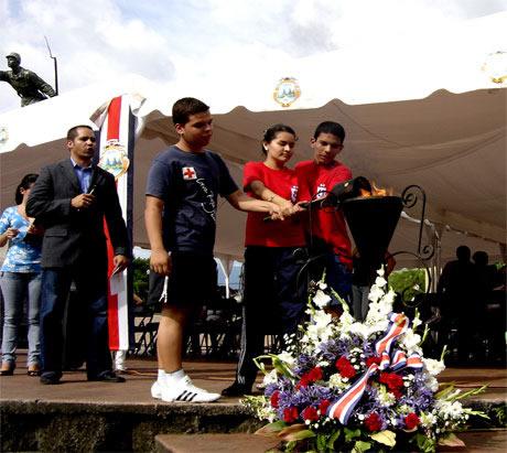 alajuelenses-la-antorcha-2009-5