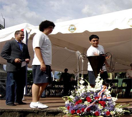 alajuelenses-la-antorcha-2009-6